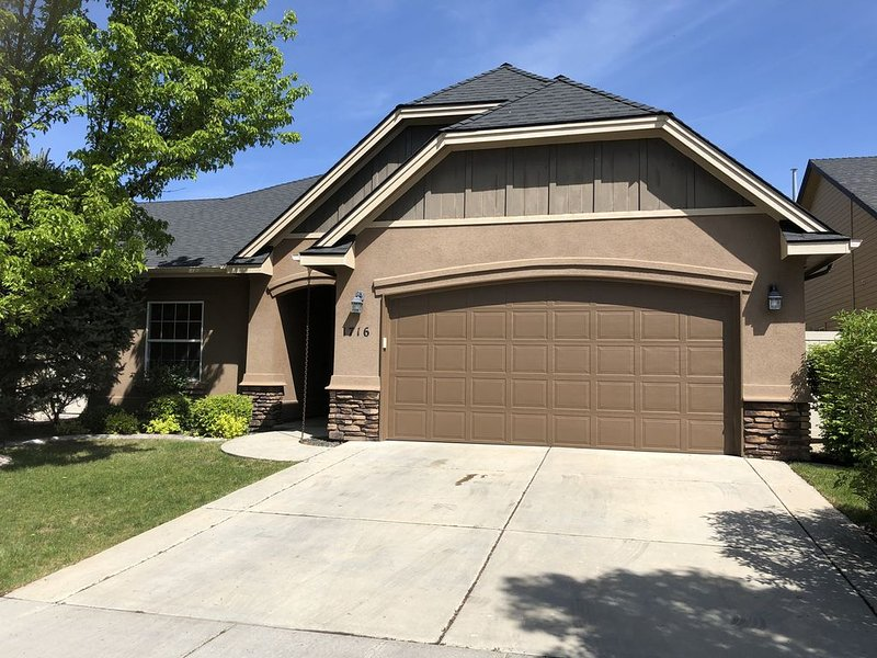 Clean Charming home in Meridian near Boise, Eagle and Nampa, vacation rental in Meridian