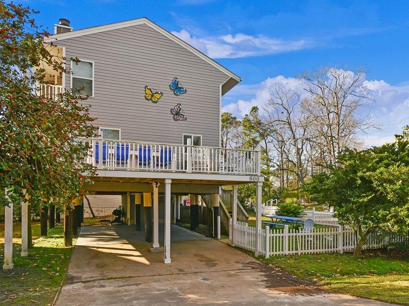 AMAZING Home in the Heart of the VB Resort Area walk to the Oceanfront., alquiler de vacaciones en Virginia Beach