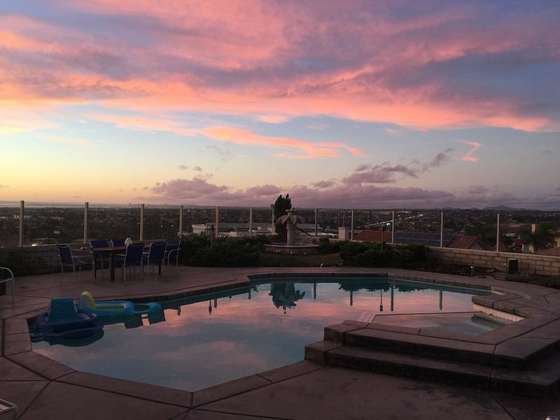 NEW! Million Dollar View home with pool, close to all San Diego attractions!, casa vacanza a Bonita