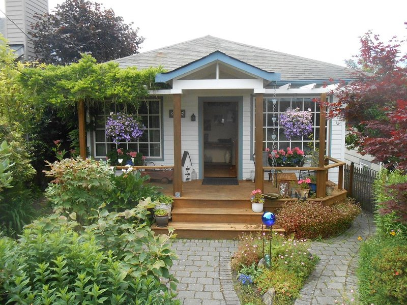 Charming 1910 Beach Bungalow – semesterbostad i Seattle