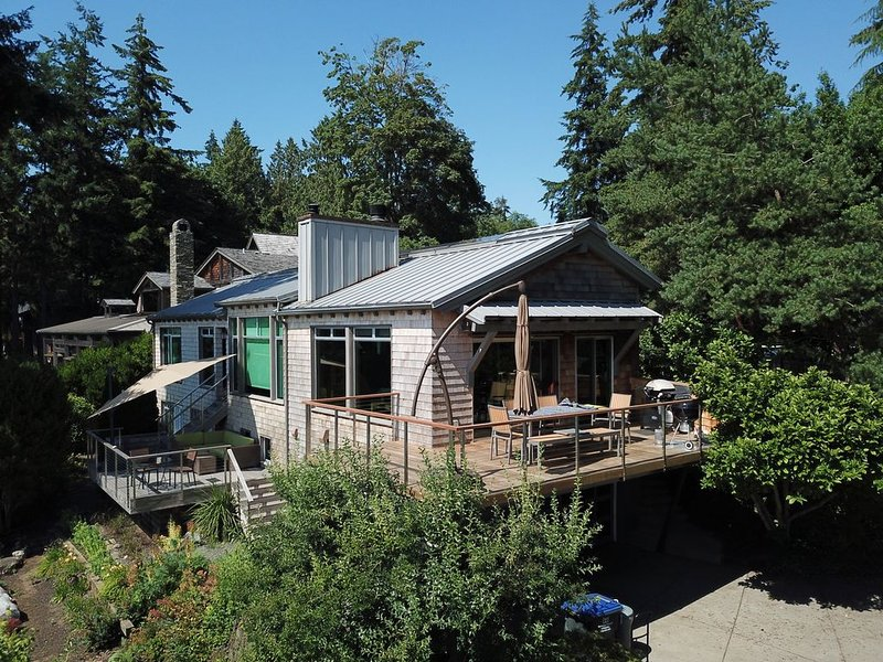 Bainbridge Island Beach House - Agate Pass Waterfront, location de vacances à Bainbridge Island