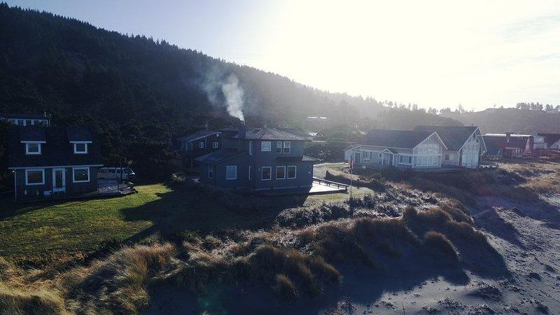Oceanfront Beach Cottage, casa vacanza a Cloverdale