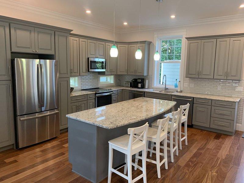 New 2019 -6Bed/6 1/2Bath House 3 1/2 Blocks To Beach - Fri To Fri Rentals, alquiler de vacaciones en Rehoboth Beach