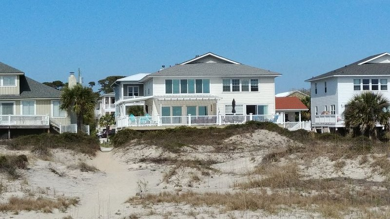 It's a Beach Haven and it's Beachfront!   See the beautiful dunes and ocean, vacation rental in Tybee Island