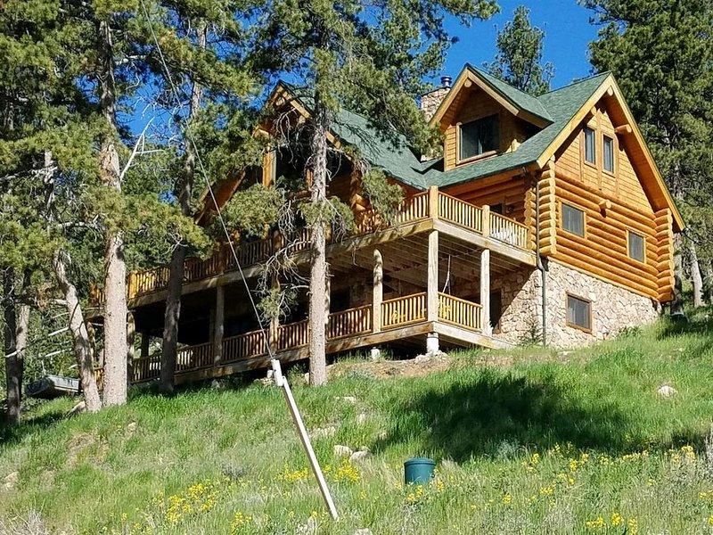 Luxurious Cabin Located In Northwest Colorado (USA), aluguéis de temporada em Red Feather Lakes