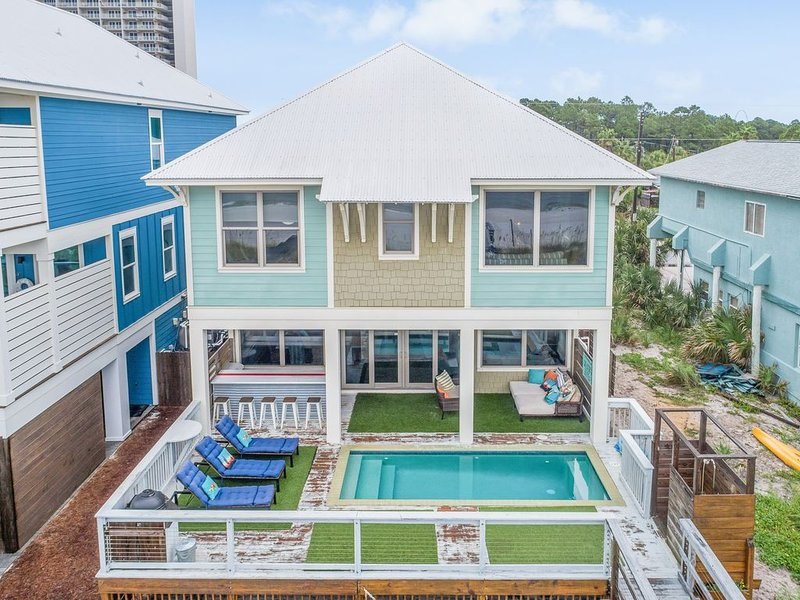 Beach Front Home. Private HEATED Pool.   SPECIAL RATE for June 24 - 30, 2017, alquiler de vacaciones en Panama City Beach