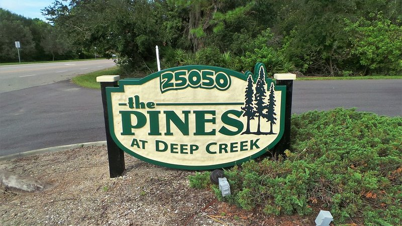 2 BDR, 2 BTHRM GREAT CONDO WITH WATER VIEW -  PINES AT DEEP CREEK IN PUNTA  GO, vacation rental in Punta Gorda