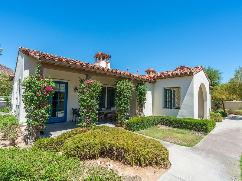 Best Location, Single Level Villa near Clubhouse & Main pool, holiday rental in La Quinta