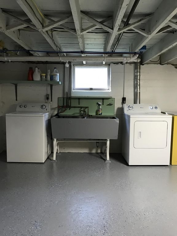Washer/dryer.  We provide laundry detergent and dryer sheets.