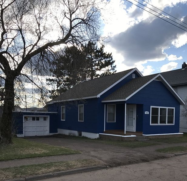 Minnesota Point Beach House 5, holiday rental in Duluth