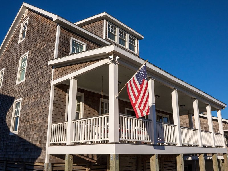 Atlantic Beach Classic Family Cottage, holiday rental in Morehead City