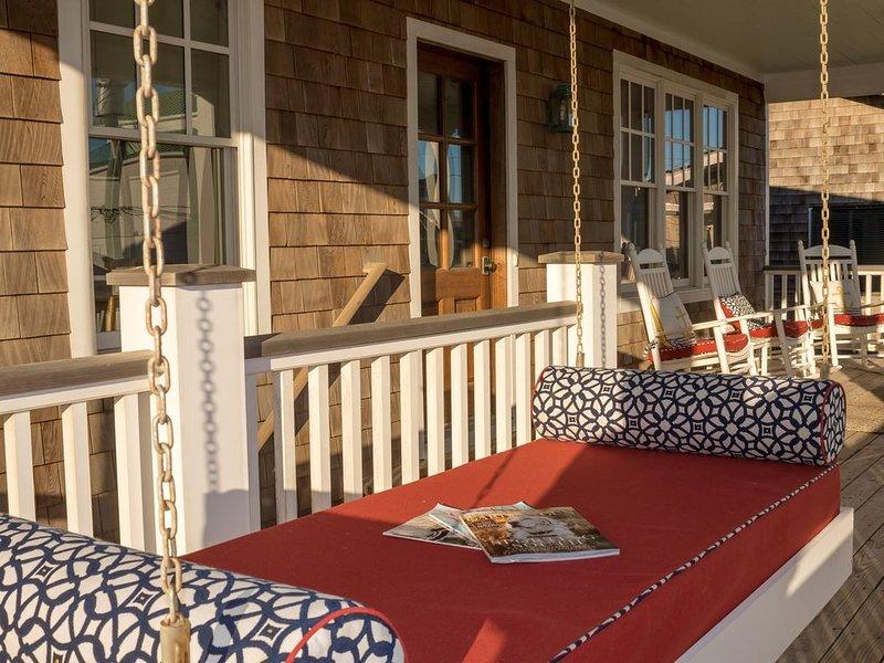 lit suspendu sur le porche