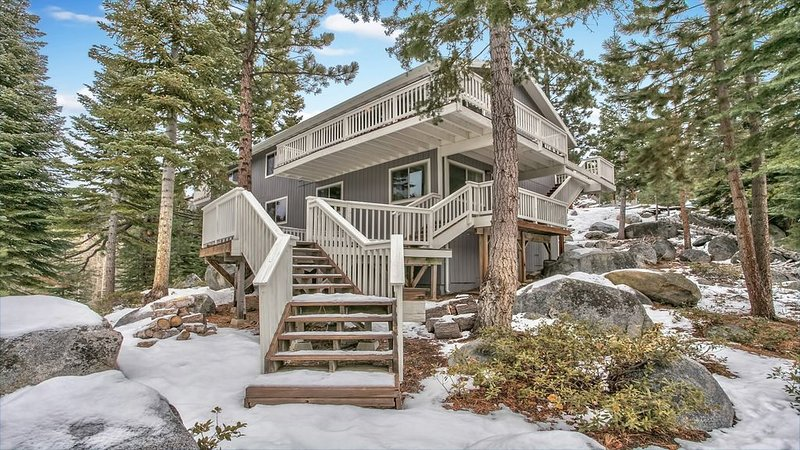 LUXURY MOUNTAIN HOME in Winter Wonderland - Ideal for families - A RARE FIND, alquiler de vacaciones en Lago Tahoe
