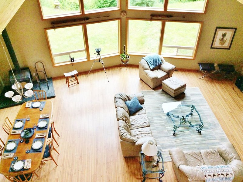 SOLITUDE! 10 acres on Elwha River- Olympic Park  Mountains & River Views, Ferienwohnung in Clallam County