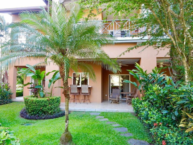 Perfect Location!! Beautiful Ground Floor Unit & Well Priced!, holiday rental in Herradura
