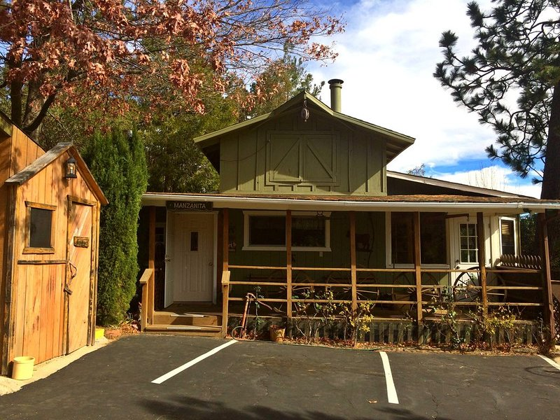 The Manzanita Cottage at Shadow Mountain Ranch!, casa vacanza a Julian