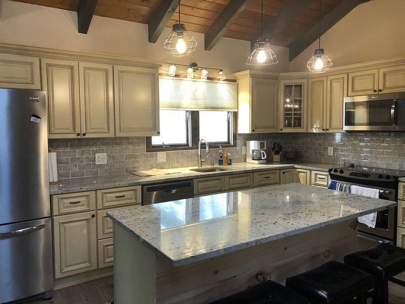 5 Bedroom Rustic Home North Conway - Great for Families!, aluguéis de temporada em Conway