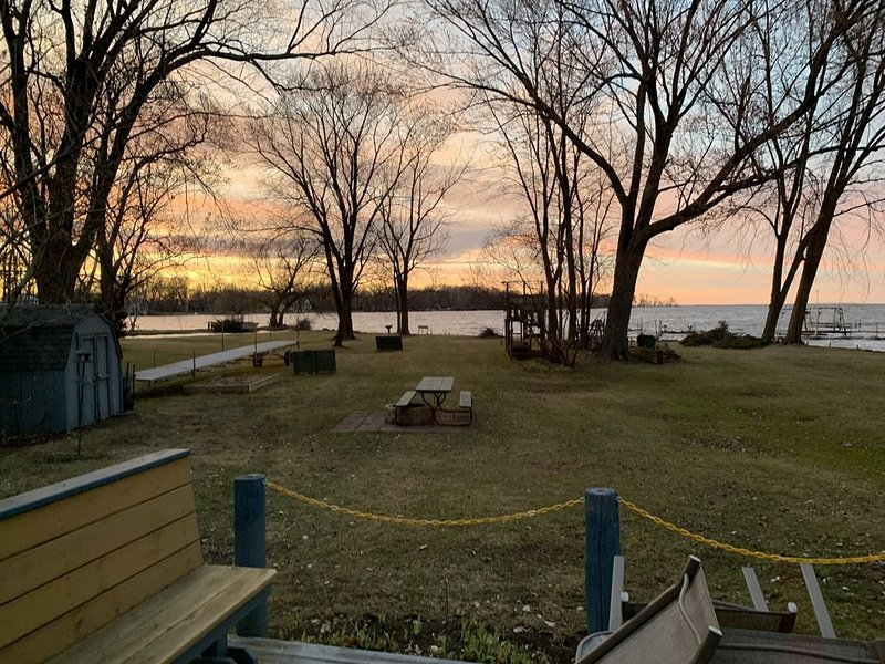 Hideaway on Lake Winnebago *$150/night special for Mar/Apr*, vacation rental in Oshkosh