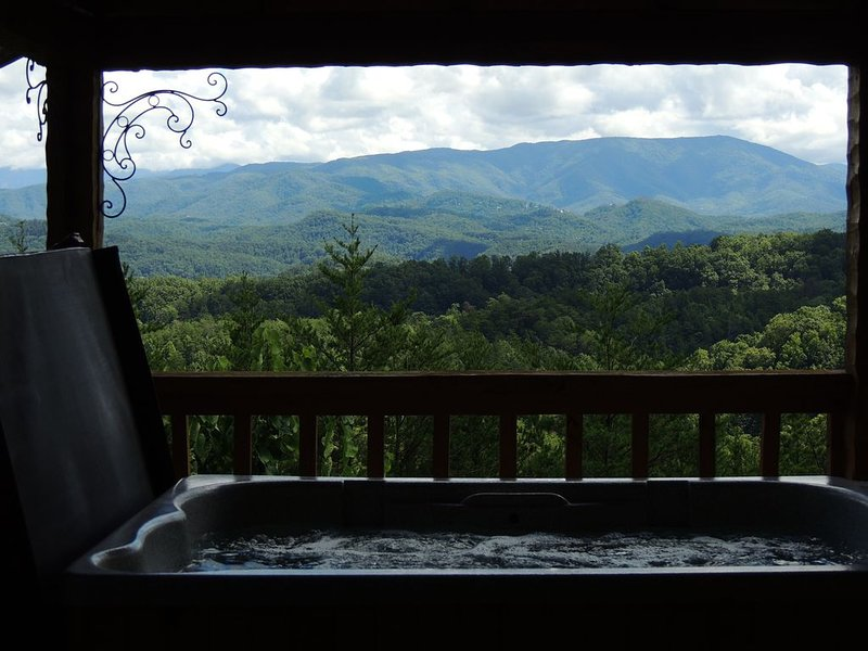 APR15-16 or 21-22*Stairway to Heaven.Secluded,Breathtaking Views,Intimate,Luxury, vacation rental in Sevierville