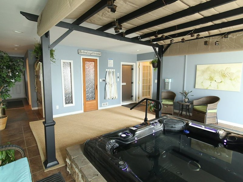 Enjoy a spa experience during your vacation, location de vacances à Charlotte