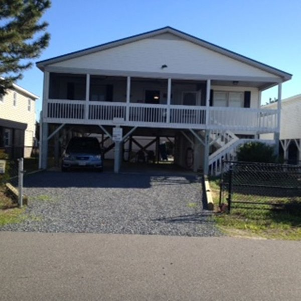 WINTER SPECIAL: 1/1 -2/28 AVAILABLE $1650/mo. 4bedroom, fenced yard for pets, Ferienwohnung in Sunset Beach