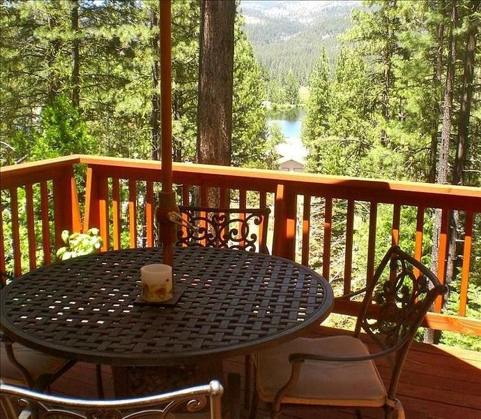 Graeagle Home Exceptional View and Short Walk to Mill Pond, vacation rental in Sierra City