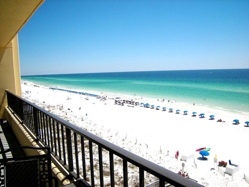 SD708: REMODELED - Spacious, TOP Flr, Beach FRONT Condo, 30' balcony, holiday rental in Fort Walton Beach