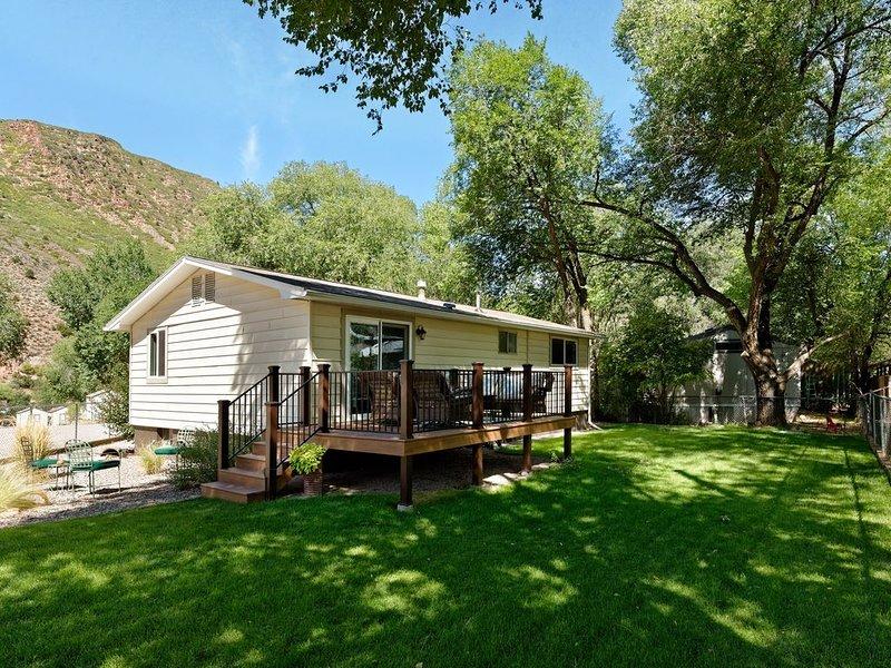 Quiet, pet friendly, enclosed yard, biking trails close by,, alquiler de vacaciones en Glenwood Springs