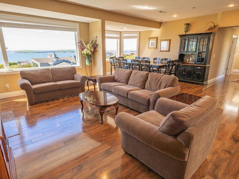 Luxury, Breathtaking Views, 6 Bedrooms/5 Full Bathrooms, 3,800+ s.f., Golf Disc., alquiler de vacaciones en Bodega Bay