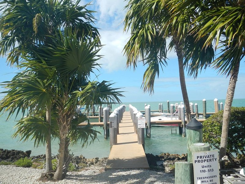 Gem on the Gulf at Gulfpointe II, dock & fishing at Vaca Cut, pool, views!!, holiday rental in Marathon
