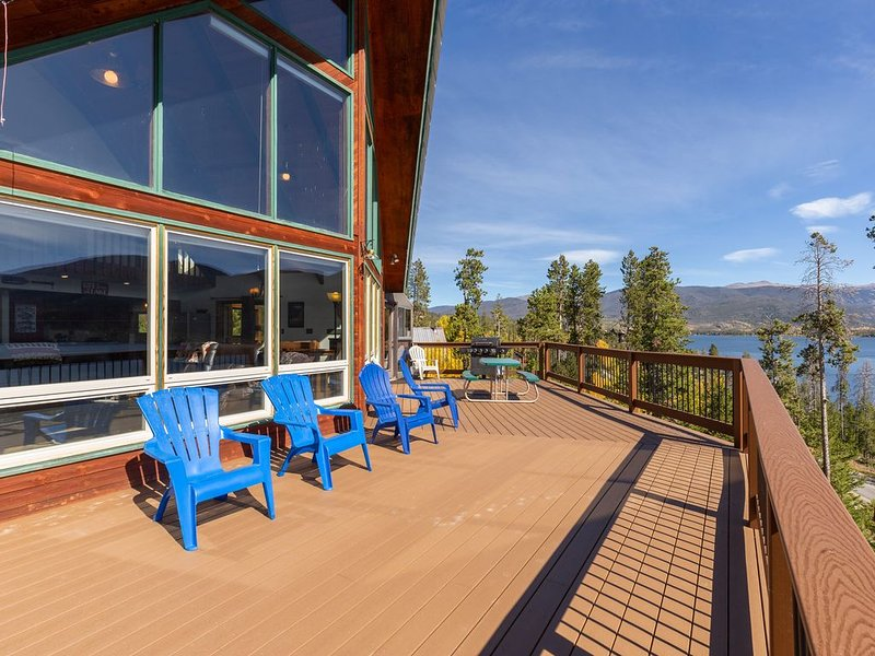Spectacular Views of Shadow Mountain Lake and Rocky Mountain National Park, holiday rental in Grand Lake