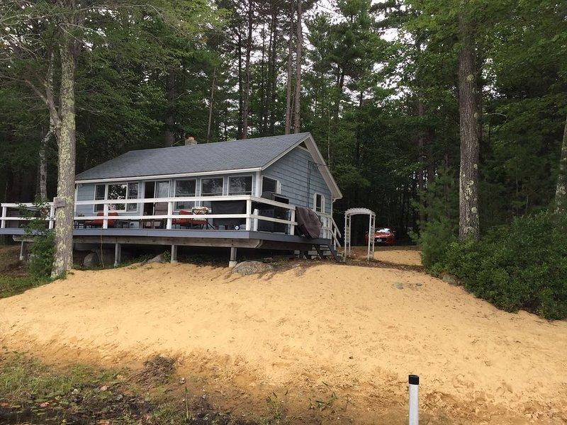 Wolfeboro Lakehouse Retreat, alquiler de vacaciones en Center Ossipee
