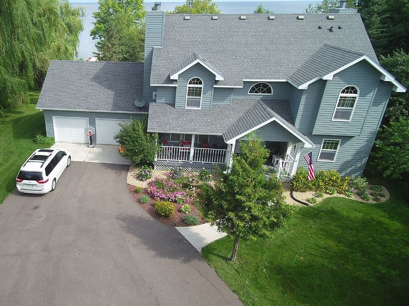 Lakeside Retreat on Cove Bay (Mille Lacs Lake, MN) - Perfect for Families!, holiday rental in Isle