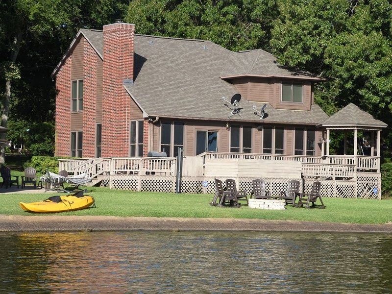 Tranquility Cove Retreat - the perfect destination to relax, refresh, renew, holiday rental in Eustace