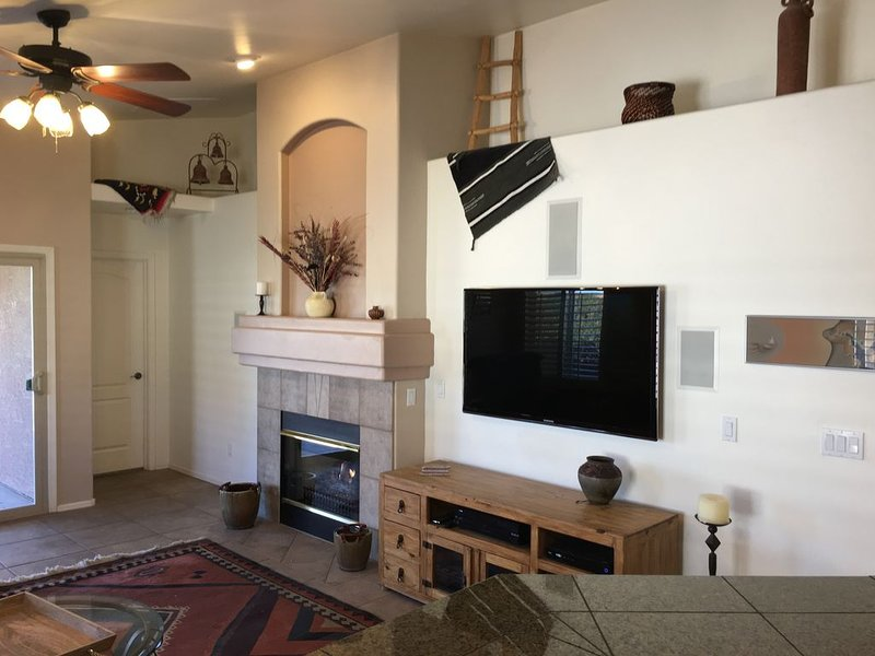 Pool and Spa (Private) - Tucson Arizona Home, holiday rental in Red Rock