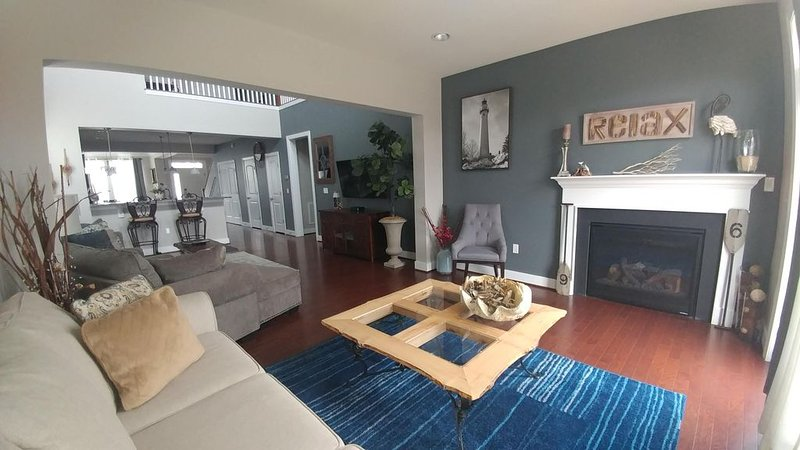 Stunning New 4BR End Unit Town home, Short-Term Welcome!, alquiler de vacaciones en Rehoboth Beach