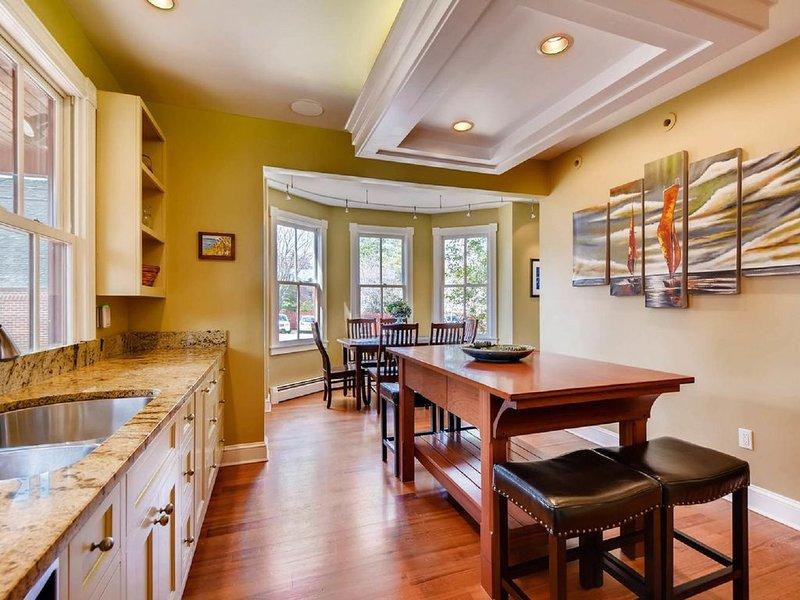 Kitchen island and breakfast nook