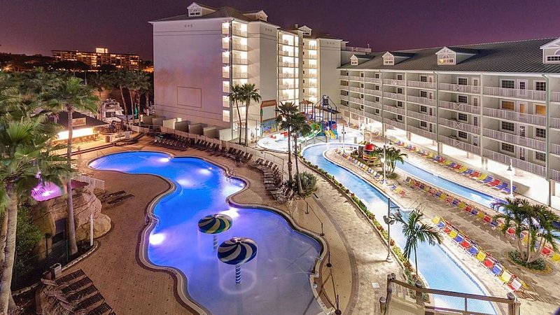2BD/2BA Condo w/4 FREE Water Park Passes at Splash Harbour Waterpark, vacation rental in Indian Rocks Beach