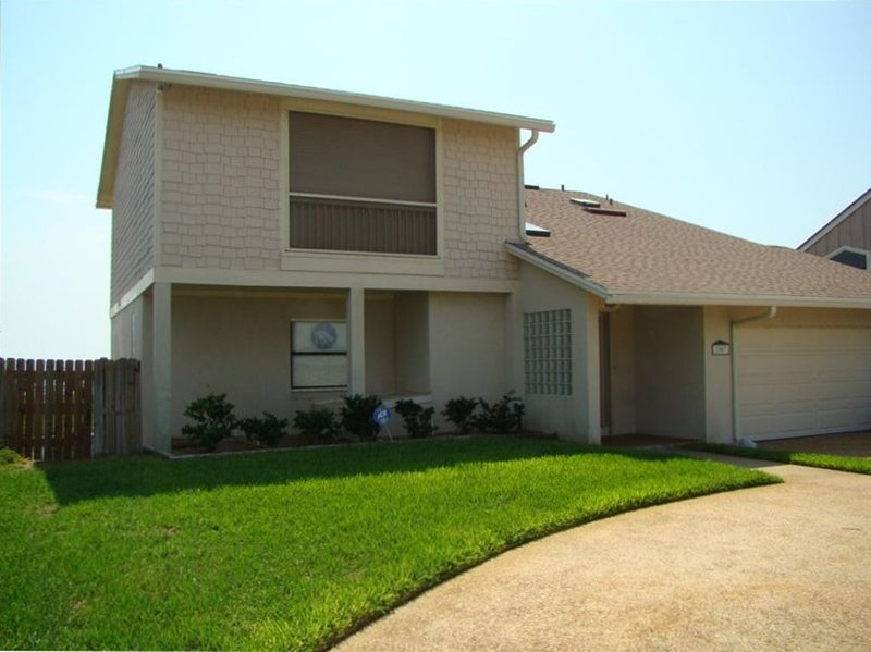 Beachside-Home Away from Home- Oceanfront, holiday rental in Villano Beach