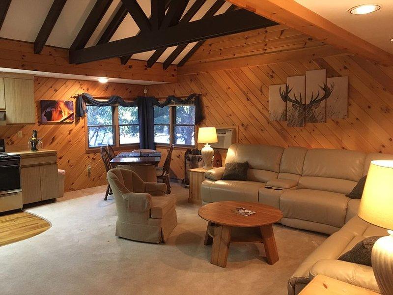 Bucks Cozy Cabin Adventure!, holiday rental in Lake Harmony