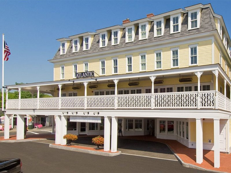 �Relaxed CANCELLATION Policy BEACH STREET RETREAT~ OCEAN VIEW 2BR-2BA penthouse, vacation rental in Cape Neddick