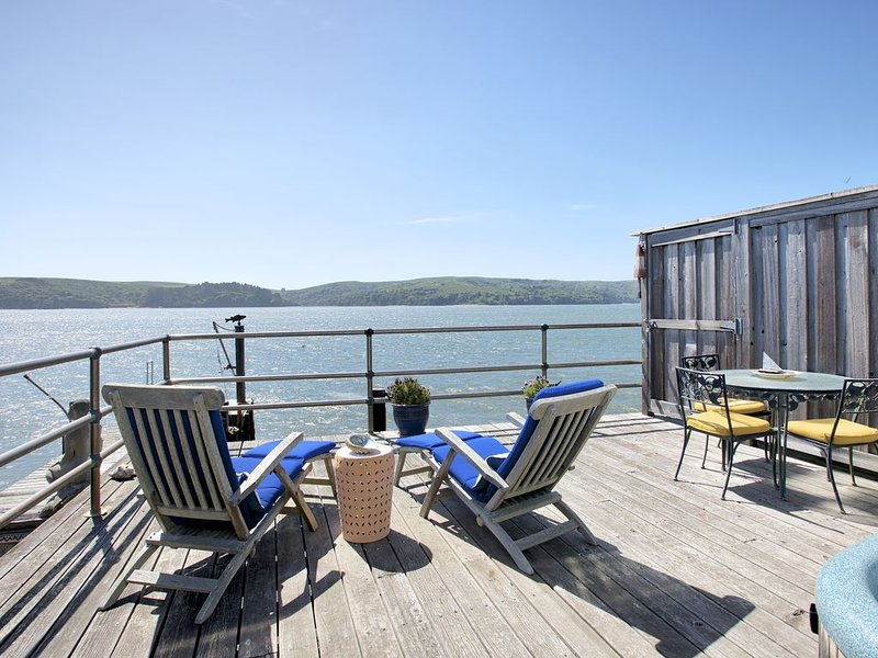 Mermaid's House (Crew Quarters) - Tomales Bay Waterfront, Point Reyes, Marshall, holiday rental in Marin County