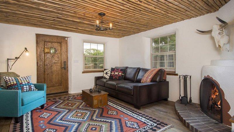 Santa Fe Trifecta: Prime location-Luxuriously remodeled-Historic Eastside Casita – semesterbostad i Santa Fe