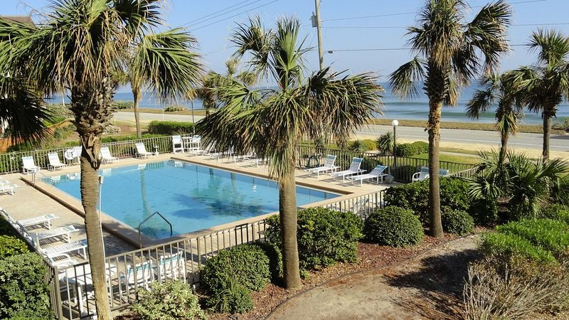 Gorgeous OceanFront Condo, Ferienwohnung in Ormond Beach