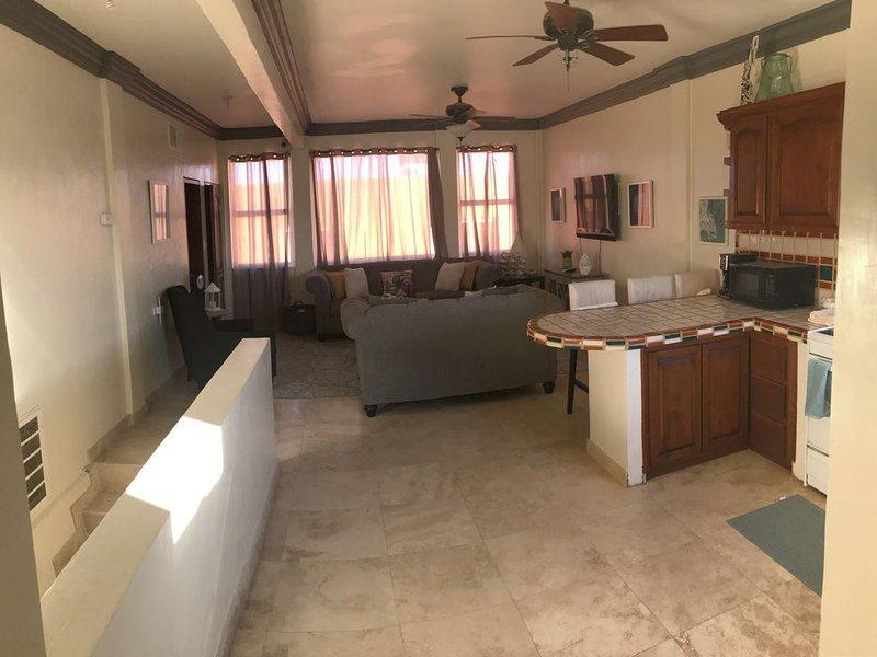 *BEAUTIFUL CONDO IN CHOLLA  - 2100SQFT, 3BD~2-1/2BATH, RV GARAGE, BEACH VIEWS, holiday rental in La Choya