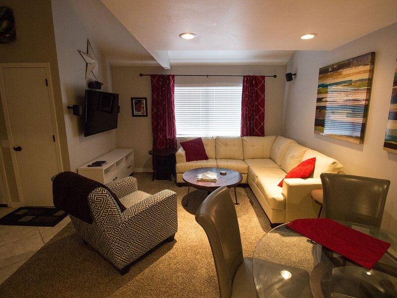 Remodeled Luxury Condo In Heart Of Mccall 3 Blocks From Lak, location de vacances à Lake Fork