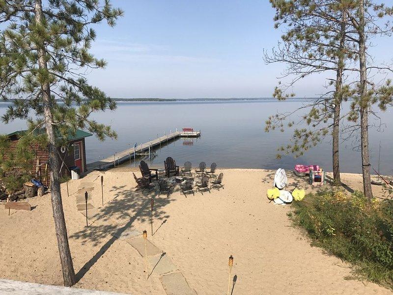 Sugar Sand Beach & Cozy Cabin That Sleeps 10 On Pelican Lake. Near Crosslake, holiday rental in Deerwood