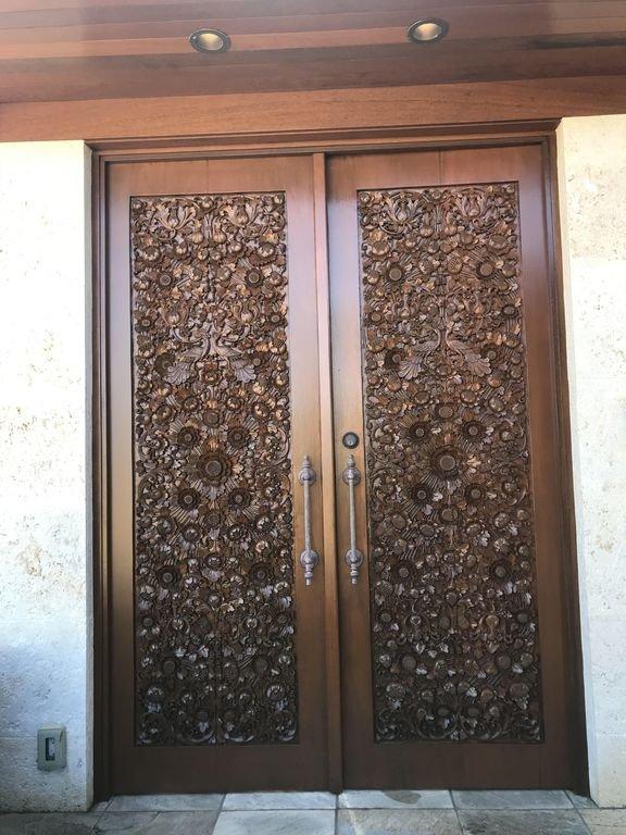 Grand Private Entrance
