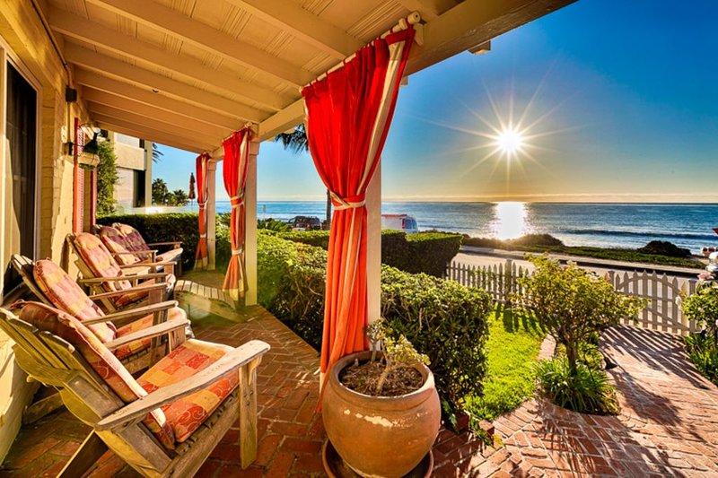 Oceanfront Cottage, World Class Views & Jacuzzi, vacation rental in La Jolla