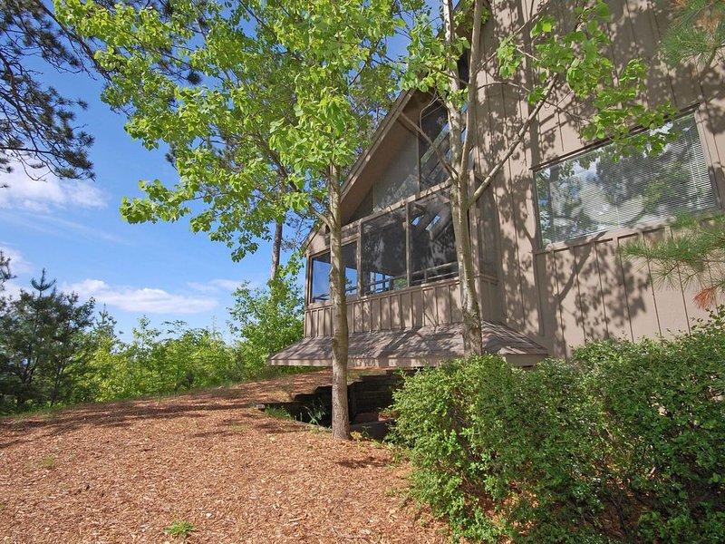 Lake View Condo in Glen Arbor's Homestead Resort- Acc 8 w/3BR/3BA!, aluguéis de temporada em Glen Arbor